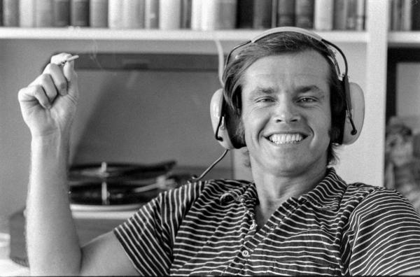 Bild 1 von 4: Jack Nicholson hob sich durch seine Intelligenz und Schlagfertigkeit von anderen jungen Schauspielern ab. Und er hatte Sinn für schrägen Humor.