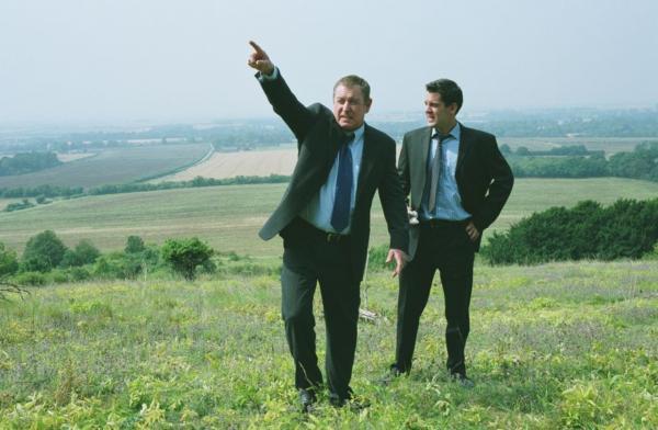 Bild 1 von 6: DCI Tom Barnaby (John Nettles, l.) und DS Dan Scott (John Hopkins, r.).