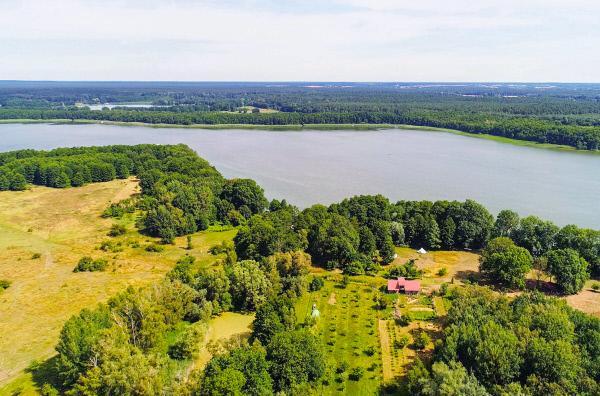 Bild 1 von 4: Werder ist eine Stadt und Insel an der Havel im Land Brandenburg.