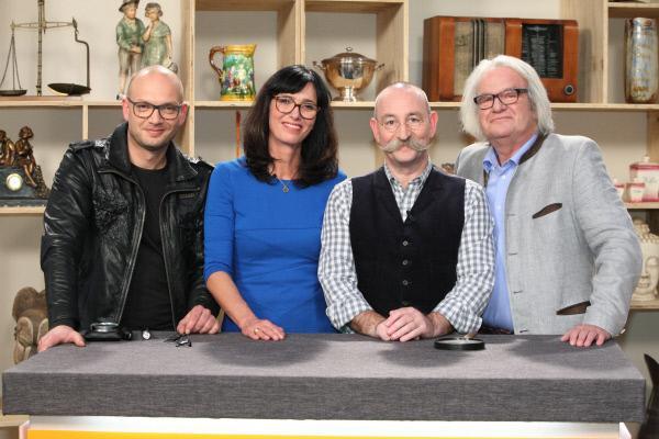 Bild 1 von 3: Sven Deutschmanek, Dr. Heide Rezepa-Zabel, Horst Lichter, Albert Maier