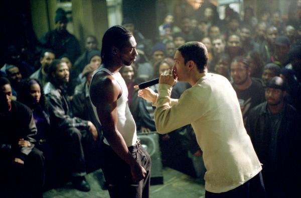 Bild 1 von 8: Kann der weiße Jimmy (Eminem) beim Rap-Gefecht bestehen..? (Foto, li.: Nashawn Breedlove)