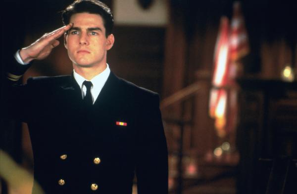 Bild 1 von 7: Lt. Daniel Kaffee (Tom Cruise) steht vor einem schwierigen Fall, der seine Karriere gefährden könnte, wenn ihm auch nur der kleinste Fehler unterläuft.