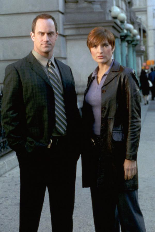Bild 1 von 2: 4. Staffel: Detective Elliot Stabler (Christopher Meloni) und Detective Olivia Benson (Mariska Hargitay)