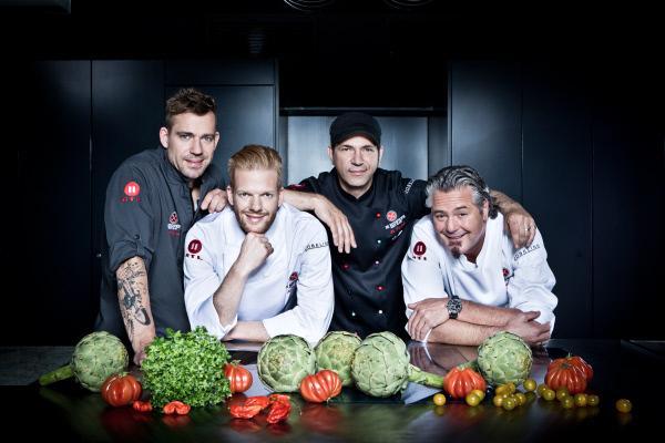 Bild 1 von 1: Die Kochprofis v.l.n.r.: Andi Schweiger, Nils Egtermeyer, Ole Plogstedt, Frank Oehler