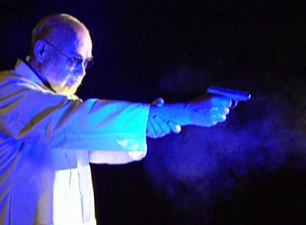 Bild 1 von 7: Ein Schusstest bestätigt die Vermutung des Forensikers: Es war kein Selbstmord.