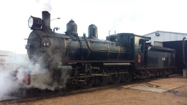 Bild 1 von 3: Zur Zeit seiner Einweihung wurde der Outbackexpress noch von einer Dampflock gezogen - heute übernimmt jedoch Dieselkraftstoff den Antrieb.