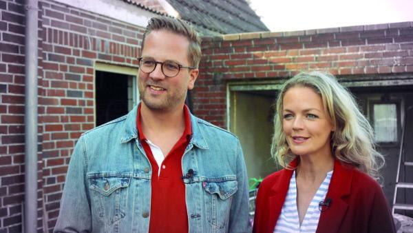 Bild 1 von 5: Die Experten Björn Nolte und Eva Brenner wollen der Familie helfen