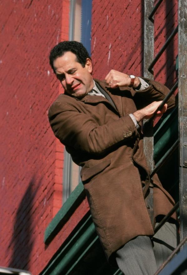Bild 1 von 2: Adrian Monk (Tony Shalhoub), genial, aber schreckhaft.