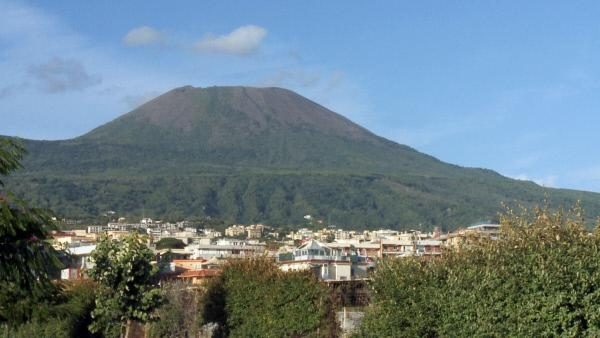 Bild 1 von 5: Der Vesuvvulkan, der noch heute aktiv ist