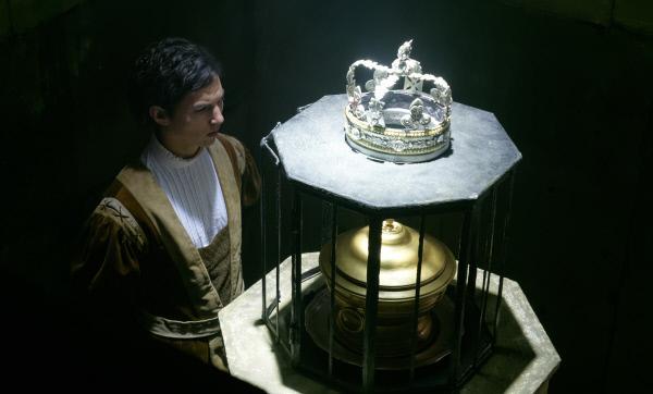 Bild 1 von 11: Was ist es nur, was Endres (Tim Oliver Schultz) täglich dem König zu servieren hat?