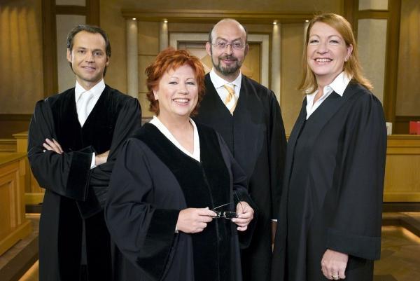 Bild 1 von 15: v.l.n.r. Bernd Römer, Barbara Salesch, Uwe Krechel, Ulrike Tasic
