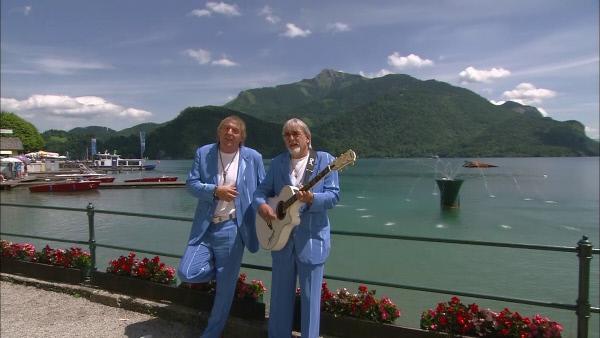 Bild 1 von 3: Einmalig im deutschen Fernsehen! Begleiten Sie Bernd und Karl-Heinz hinter die Bühne und in ihr Privatleben. So nah waren Sie den beiden Brüdern noch nie. Ganz neu und exklusiv bei uns!