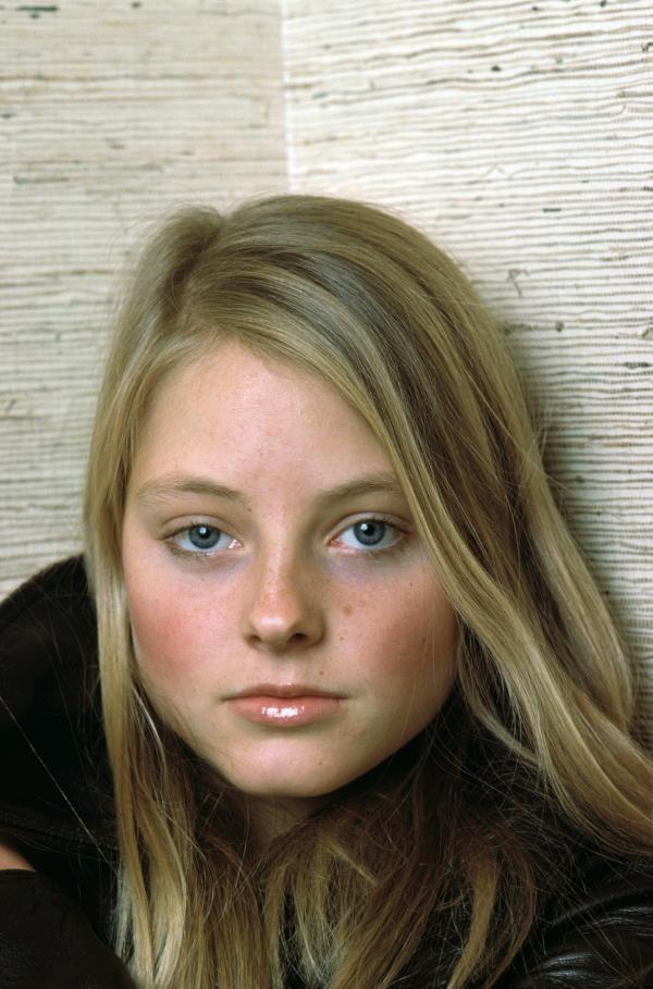 Bild 1 von 5: Porträt von Jodie Foster 1979 im Alter von 17 Jahren: Schon als Dreijährige stand sie vor der Kamera und als 13-Jährige erregte sie mit ?Taxi Driver? internationale Aufmerksamkeit.