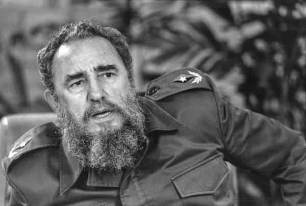 Bild 1 von 3: Fidel Castro verfolgte kubanische Militäroperationen im Ausland aufmerksam und nahm deren Leitung selbst in die Hand.