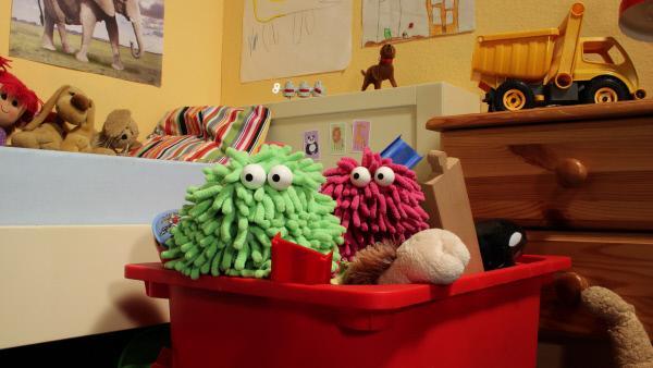 Bild 1 von 3: Erforschen eine Spielzeugkiste: Wisch und Mop.