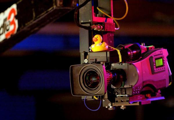 Bild 1 von 2: Die SWR Rateshow montags um 22:00 Uhr im SWR Fernsehen Kamera.