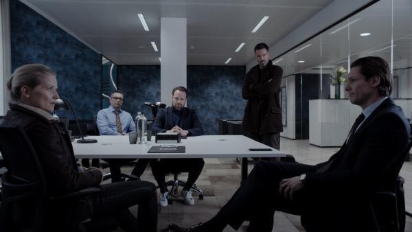 Bild 1 von 9: (v.l.n.r.) Charlotte Lubitz (Doreen Jacobi); Daniel Brandt (Gaetano Pasqualino); Jost Büchmann (Kristoffel Verdonck); Dr. Fred Abel (Tim Bergmann); Martin Franke (Bert Tischendorf)