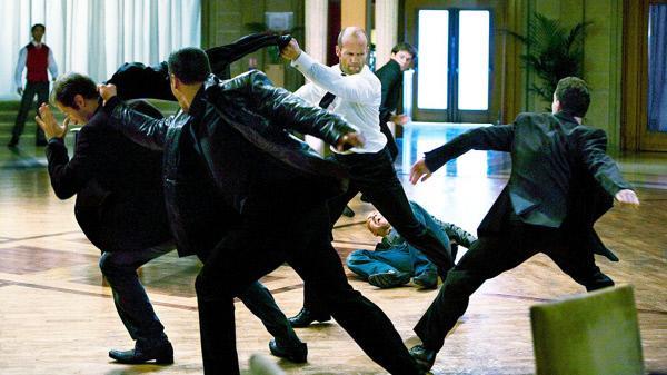 Bild 1 von 7: Frank Martin (Jason Statham) muss sich zur Wehr setzen..