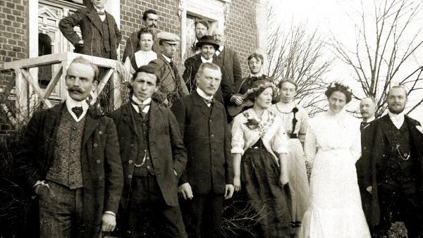 Bild 1 von 6: Völkische Siedler in Heimland um 1913.
