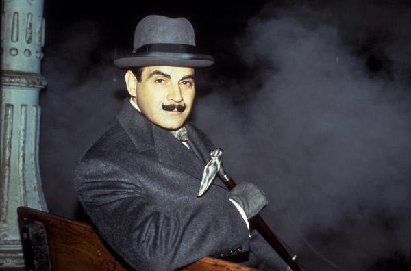 Bild 1 von 2: Poirot (David Suchet)