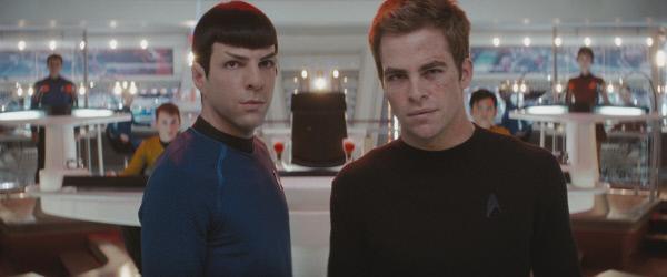 Bild 1 von 20: Setzen alles daran, in die kleine Elitegruppe aufgenommen zu werden, die auf dem modernsten Raumschiff aller Zeiten eingesetzt werden soll, der U.S.S. Enterprise: Kirk (Chris Pine, r.) und Spock (Zachary Quinto, l.) ...
