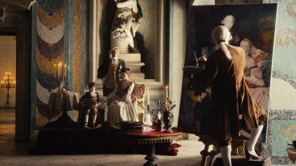 Bild 1 von 4: Eine wirklich hinterhältige Nummer zieht Katharina die Große mit ihrem Gatten Zar Peter III. ab: Nach außen mimen sie die traute Bilderbuchfamilie. Aber hinter den Kulissen herrscht alles andere als eitler Sonnenschein. Katharina hat zahlreiche Affären und bekommt vermutlich von einem ihrer Geliebten ein Kind. Ihr Mann spricht dafür dem Alkohol zu. Als Peter dann endlich den Thron besteigt, schmiedet Katharina mit ihrem aktuellen Lover einen Komplott und stürzt Peter, der aus bis heute unerklärlichen Gründen bald darauf stirbt. Was für ein fieses Eheweib!