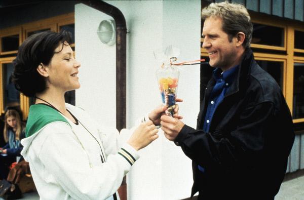 Bild 1 von 1: Lisa Brunner (Janina Hartwig, l.): Dr. Justus Hallstein (Harald Krassnitzer, r.)